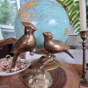 Figurines & Ornaments